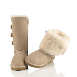 UGG Bailey Triple Button Boots